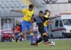 Las Palmas gana a balón parado a un Sabadell timorato