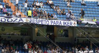 """Pancarta a favor de Casillas y cánticos en la grada: """"Iker, Iker"""""""