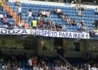 Pancarta a favor de Casillas y cánticos en la grada: