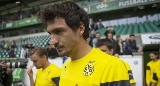 Hummels se quedará en el Dortmund hasta 2017