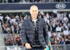 Zinedine Zidane fue homenajeado en Burdeos