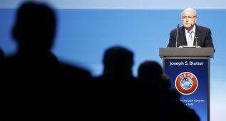 Blatter cita de urgencia a los seis presidentes internacionales