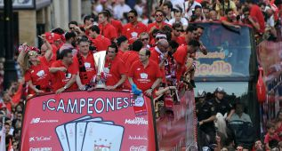 El Sevilla es recibido en la sede de la Junta y la Catedral