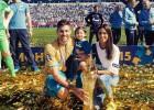 Javi García posó con el trofeo de campeón de la liga rusa