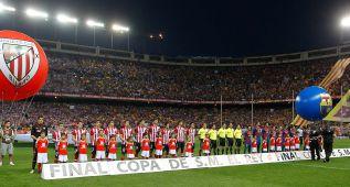 La UEFA sanciona pitar himnos: artículo 16.2 de su Reglamento