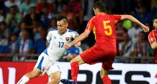 Salata y Hamsik alargan la racha de victorias de Eslovaquia