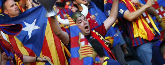 La UEFA expedienta al Barça por las banderas esteladas en Berlín