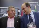 """El Sevilla presenta la biografía de Enrique Lora: """"Purasangre"""""""