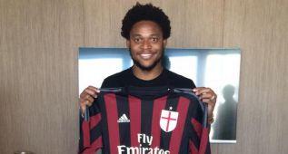 Luiz Adriano deja el Shakhtar y firma con el Milan hasta 2020