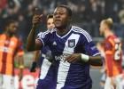 Mbemba no jugó ayer con el Anderlecht por orden del club