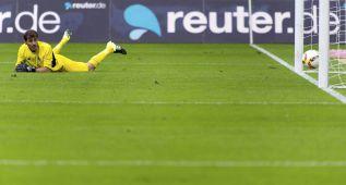 Iker Casillas encaja sus dos primeros goles en el Oporto