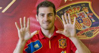 Homenaje de la Federación a Iker Casillas en Asturias