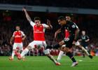 Coutinho brilla, pero el Arsenal y el Liverpool no se hacen daño