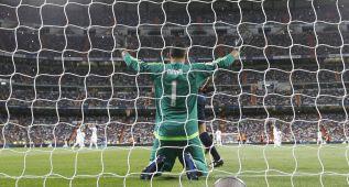 """""""¡Keylor, Keylor!"""" en el Bernabéu: cuarto penalti parado en Liga"""