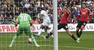 Romero no hace olvidar a De Gea y el United cae en Swansea