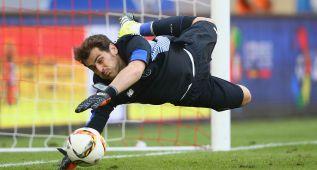 Casillas encuentra en Oporto lo que no conseguía en Madrid