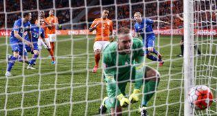 Islandia gana en Amsterdam y deja a Holanda sin casi opciones