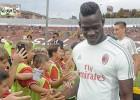 Balotelli marca su primer gol en su 'redebut' ante el Mantova
