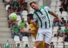 El Alcorcón gana a un mal Córdoba en defensa