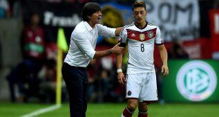 Alemania sufre pero resuelve