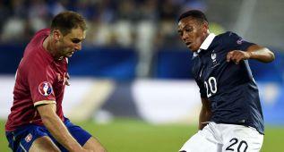 Un doblete de Matuidi da la victoria a Francia sobre Serbia