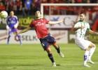 Osasuna cede un empate ante el Córdoba, pero sigue líder