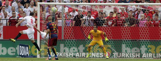 """La crítica señala a la defensa del Barça: """"Un auténtico coladero"""""""