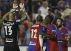 Verza y Rubén García entrenan al margen con el Levante