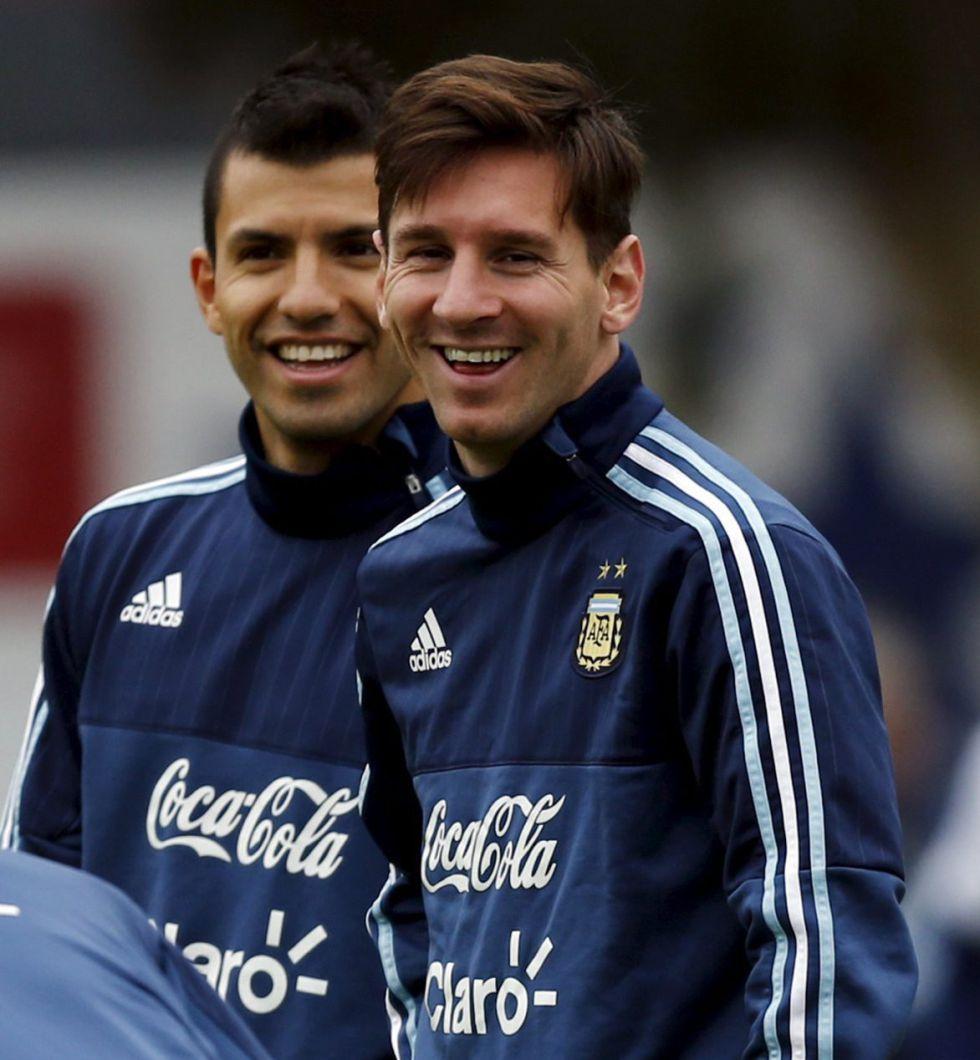 "Argentina | Messi, a Agüero: ""¿Llevarás el dorsal 10? ¿No te vas a cagar?"" - AS.com"