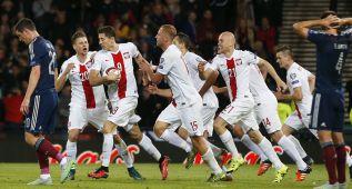 Lewandowski sigue de dulce y salva a Polonia en el minuto 94