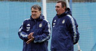 Martino prueba cinco cambios para enfrentar a Paraguay