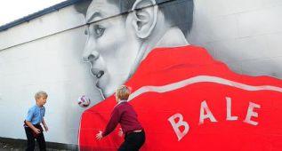 Cardiff dedica un mural a Bale tras la clasificación de Gales