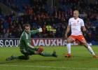 Holanda se aferra al talento de Robben para ganar a Gales