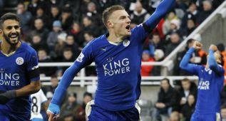 Vardy bate récords y el Leicester es el sorprendente líder