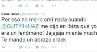 Alves se engancha con Guti tras una crítica del exmadridista
