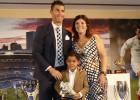 La madre de Cristiano prefiere al United que al PSG para su hijo