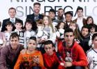 El Real Madrid reparte regalos entre niños necesitados