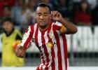 El Almería suma tres puntos vitales ante el Llagostera