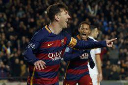 Messi celebra gol con Neymar