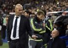 Deafening ovation for new coach Zinedine Zidane