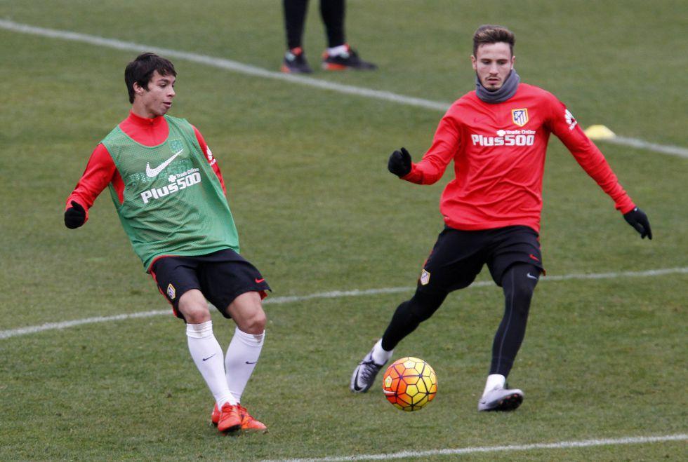 Saúl y Oliver en el entrenamiento del Atlético de Madrid