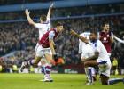 El Leicester se deja dos puntos con polémica en Villa Park