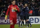 Ibrahimovic lleva al PSG a los octavos en el 89' y de penalti