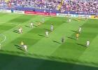 Suárez, en posición dudosa en el 0-1: Líbero no lo pudo aclarar