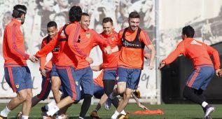 Neville cita ante el Barcelona a Cheryshev, Siqueira... y De Paul