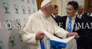 El Leganés envía una camiseta del equipo al Papa Francisco