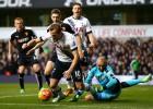 Trippier permite al Tottenham escalar a la segunda posición