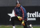 Diego Alves vuelve a ser titular nueve meses después
