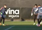 Alves pone la experiencia y a un portero en el mercado