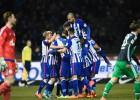 El Hertha vence al Schalke 2-0 y le aleja del tercer puesto